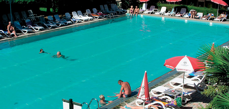 Hotel Royal & Suite, Garda, Lake Garda, Italy - swimming pool area.jpg